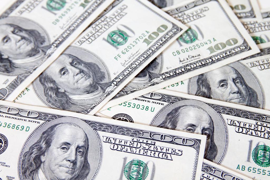 100 dollar bills image