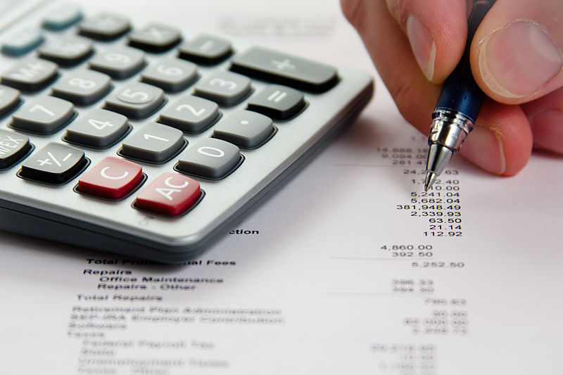financial difficulties - calculate your debt image