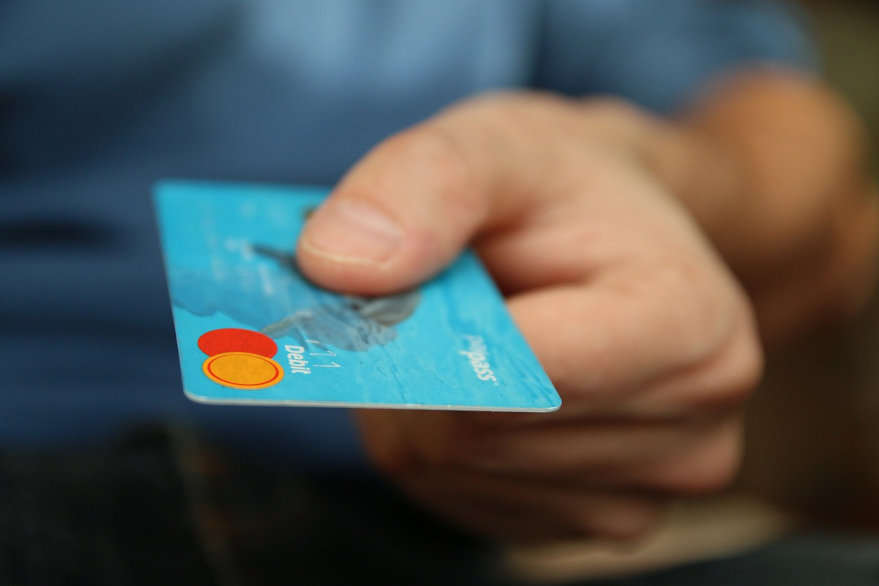 ways to dodge debt - credit card image