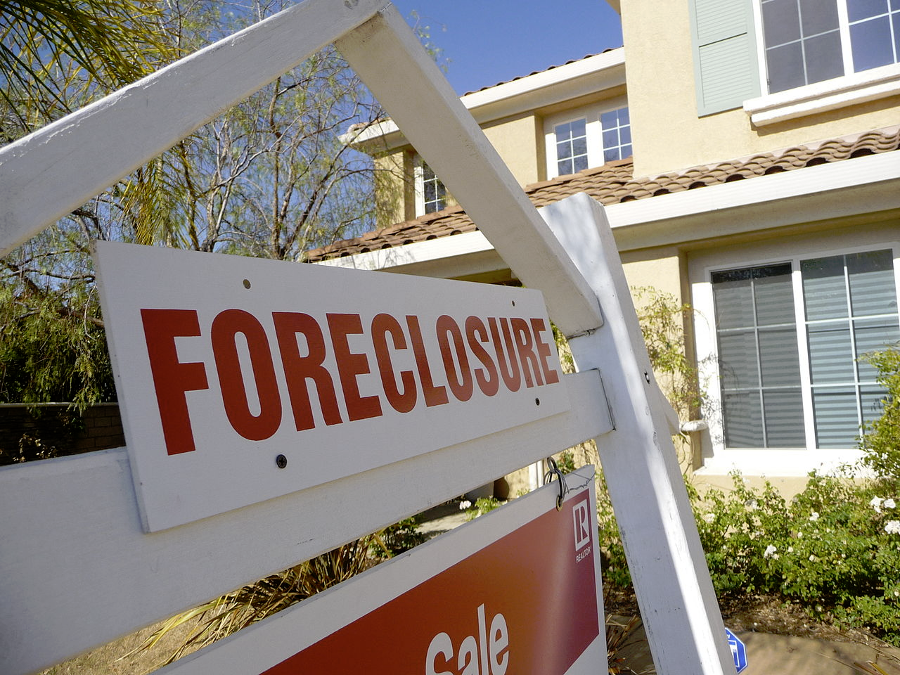 home foreclosure image - kids learning abut mortgages