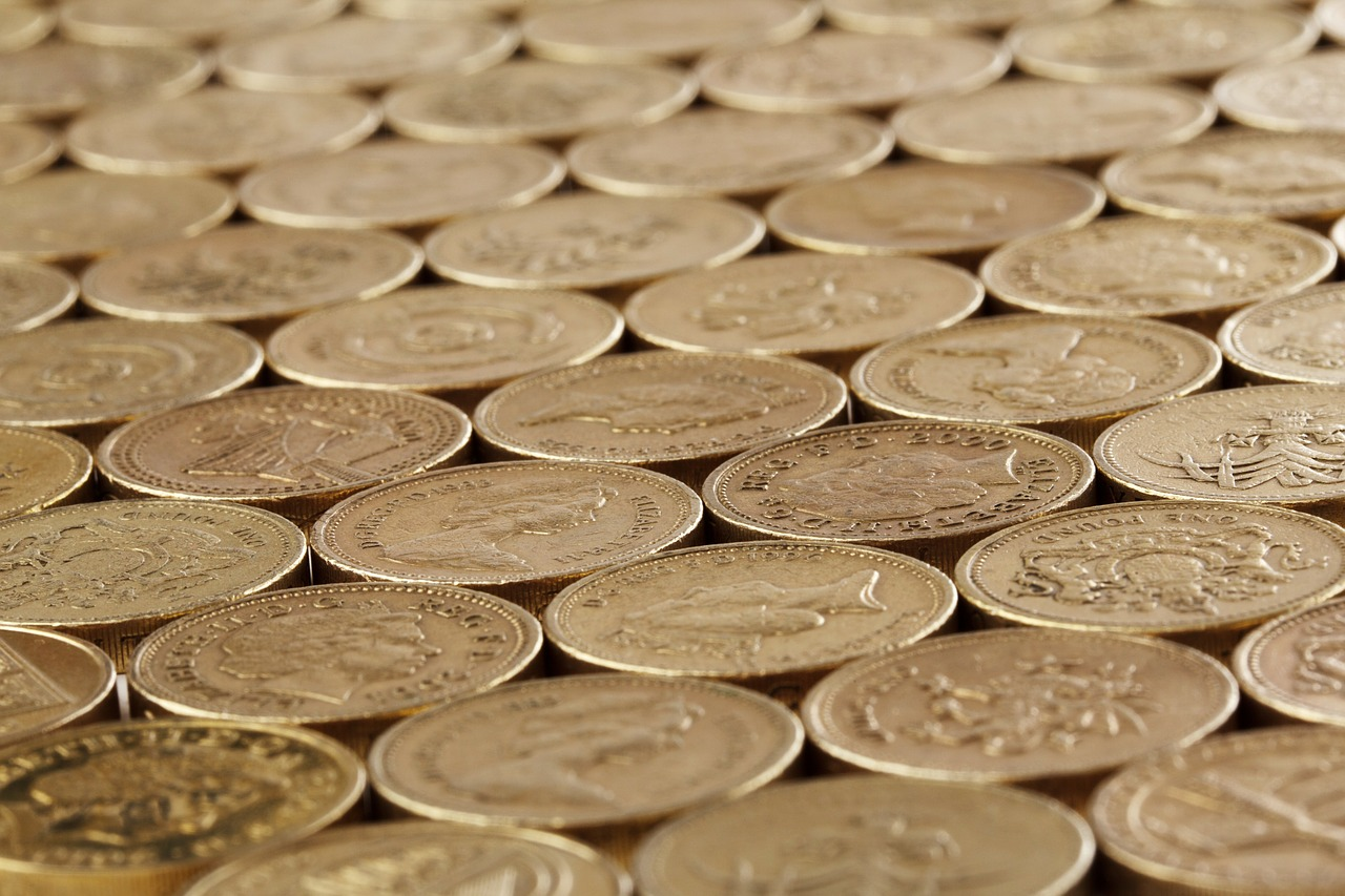 ways to dodge debt - pound coins image