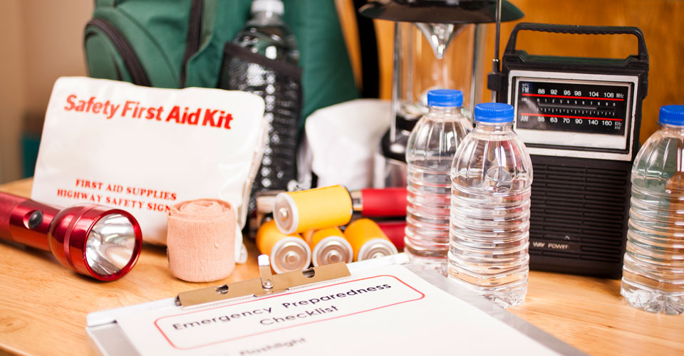 How to be prepared for a disaster - emergency kit image