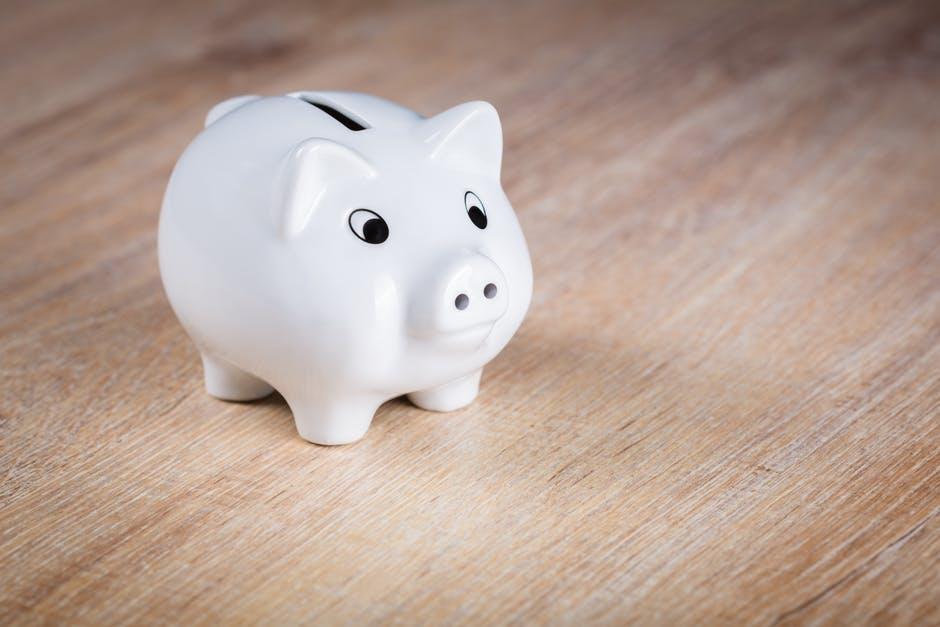 Healthy Money Attitudes To Teach Your Children - piggy bank image