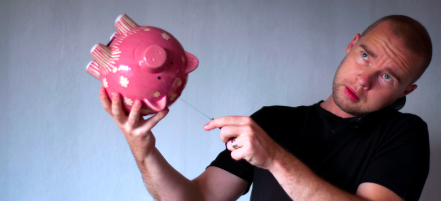 money mistakes - raiding the piggy bank image